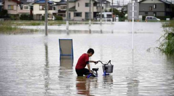 The highest level of danger and hundreds of thousands of evacuees: what is happening in Japan