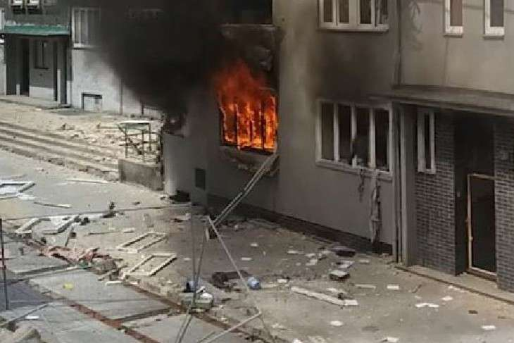 15 1 - A powerful gas explosion destroyed a high-rise building in Poland: there are dead